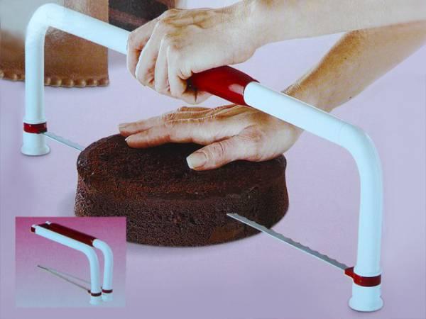 Déco de gâteaux > Matériel > Découpe gâteau ultimate Wilton