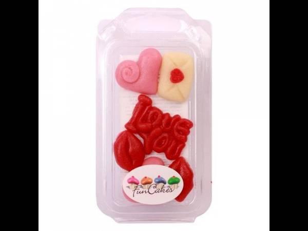 Gâteau st valentin Décors pâte d'amande Love Funcakes