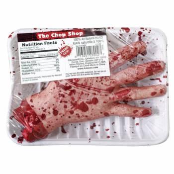 Barquette main coupée sanglante