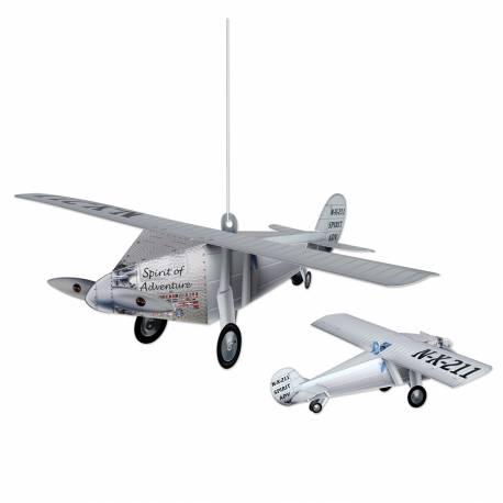 Superbe suspension en forme d'avion pour donner une ambiance de voyage à votre fête Matière: carton Dimensions: 38cm x 36cm