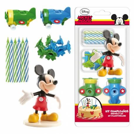 Kit de décoration en plastique avec bougies pour décorer votre gâteau à l'effigie de Mickey ! Contient: 10 bougies avec bobêches + 2...