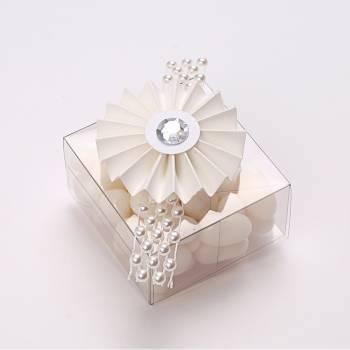 4 Mini rosettes blanches diamant