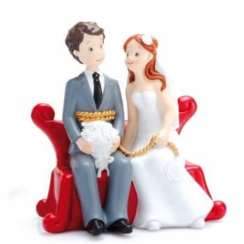 Figurine mariés canapé rouge