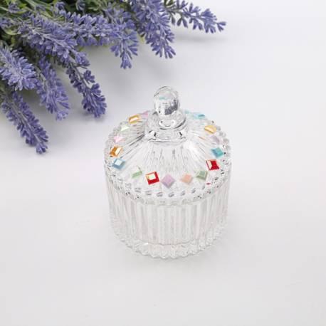 Strass losange multicolore autocollant pour décorer vos bonbonnières, contenants, verres.... Dimensions : 0.7 cm