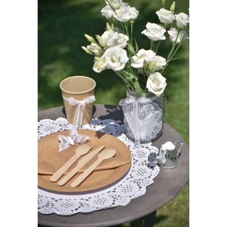10 Dentelles en papier blanches pouvant servir à une multitude de chose, set de table, dessous de gâteau ou réaliser des...