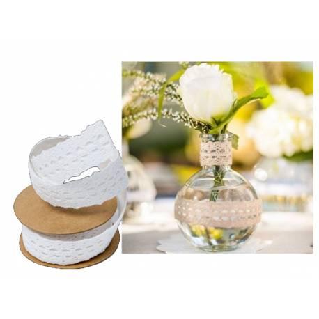 Rouleau de ruban en dentelle blanc adhésif Dimensions : 2.5 cm x 2 Mètres