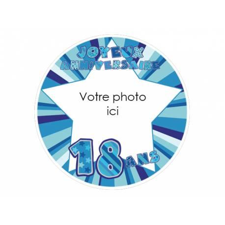 Disque sucre personnalisé décor 18 ans bleu pour décorer vos gâteaux d'anniversaires.Diamètre 19 cm  Peut être conservé 6 mois après la...