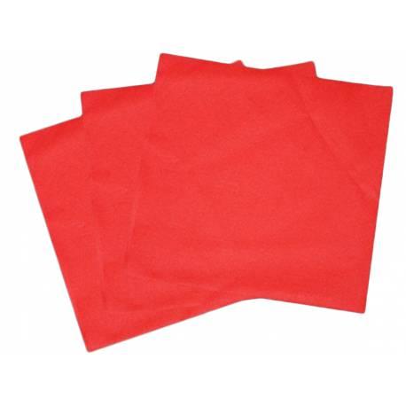 Paquetde 50 serviettes intissées rouges pour la décoration de vos tables de fêtes Dimensions: 40 cm x 40 cm