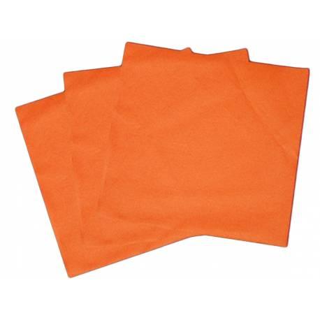 Paquetde 50 serviettes intissées orange pour decorer vos tables de fêtes. Dimensions: 40 cm x 40 cm