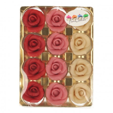 Boîte de 12 roses de 3,5cm de diamètre sur 2,5cm de hauteur, de couleur rose.Les roses ont été faites à la main avec une grande...