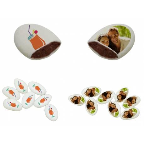 Dragées chocolat 55% cacao à personnaliser assortis (50 % de décors fait par nos soins et 50 % avec votre photo personnelle ou clipart...