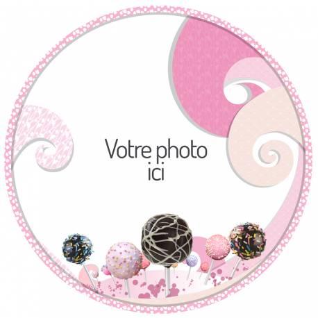 Disque sucre personnalisé pour décorer vos gâteaux. Ø19 cm L'idéal est de poser le décor sur un gâteau recouvert de pâte à sucre ou de...