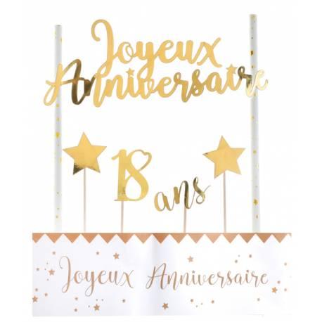 Kit permettant la décoration d'un gâteau d'anniversaire dans les tons or Contient: 4 pics étoiles et 18 ans, un décor avec 2 pailles et...