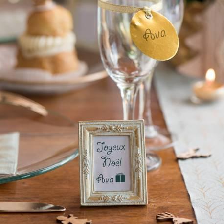 Mini cadre vintage rectangulaire pour réaliser une décoration de table chic et vintage Dimensions : 6.5 x 7.5 x 1.5 cm