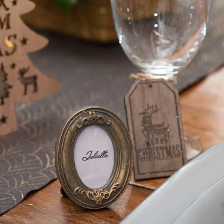 Mini cadre vintage ovale pour réaliser une décoration de table chic et vintage Dimensions : 6 x 7.5 x 1.5 cm