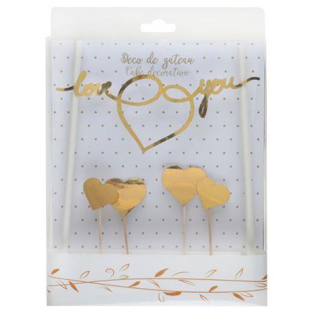 Kit pour décorer un gâteau thème just married métallisé or Contient 6 pièces Dimensions : 3 x 7 cm & 19.2 x 0.6 cm Matière: carton et bois