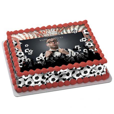 Kit décor en sucre décor Fan de foot pour réaliser un gâteau rectangle en 1 clin d'oeil ! Prévu pour un gâteau rectangle de 20 x 30 cm...