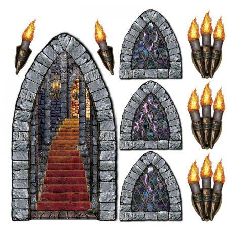 Toile en plastique imprimée représentant une montée d'escalier, des fenêtre et des torches de château, à fixer sur votre mur pour créer...