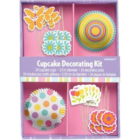 Boîte cadeaux permettant la décoration de 24 cupcakes.La boîte comprend :- 24 caissettes assortis en papier Diam. 5...