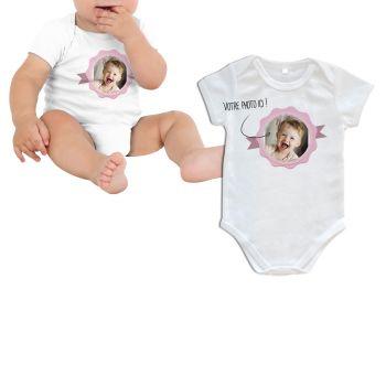 Body bébé personnalisé décor label rose manche courte