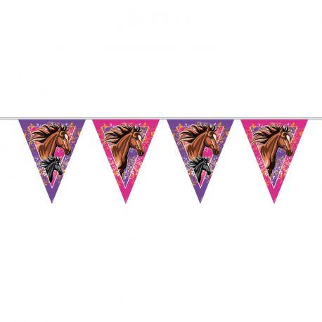 Guirlande de fanions pour la décoration d'une fête d'anniversaire sur le thème des chevaux Dimensions: longueur 10 mètres