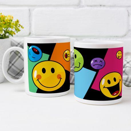 Magnifique mug Smiley en céramique . Ce mug est un cadeau original à offrir à la fête des écoles.Compatible lave...