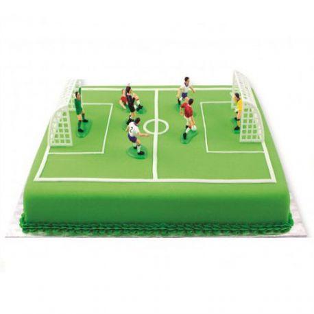 Ensemble de 2 cages en plastique + 7 joueurs pour décorer votre gâteau sur le thème du foot Dimension des cages 10 cm de large et6.5 cm...