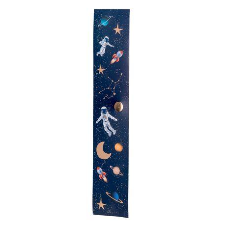 Assortiment de 56 stickers de planète, fusée, étoiles et astronautes idéal pour une décoration de fête d'anniversaire sur le thème de...