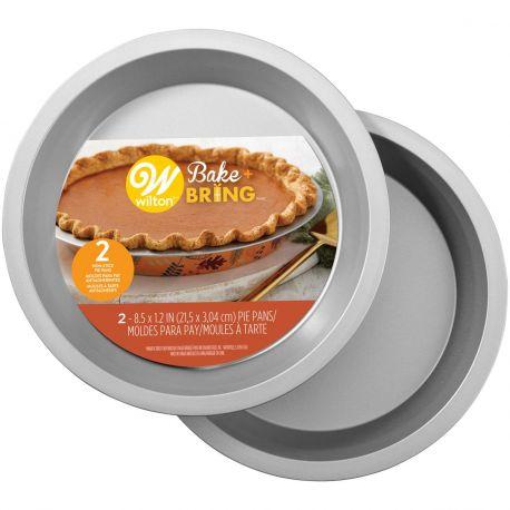 Le moule à gâteau rond en étain semi-jetable de Wilton est idéal pour cuire vos brownies ou autre gâteaux et transporter...