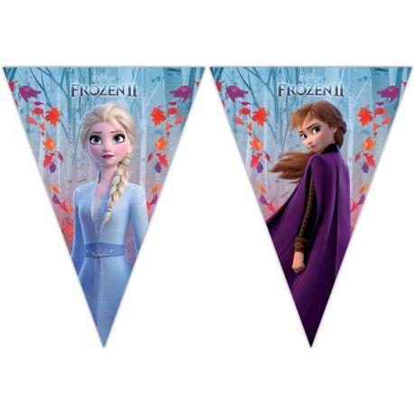 Guirlande de fanions à l'effigie de Anna et Elsa les célèbres soeurs du dessin animée La Reine des Neiges II pour une belle décoration...