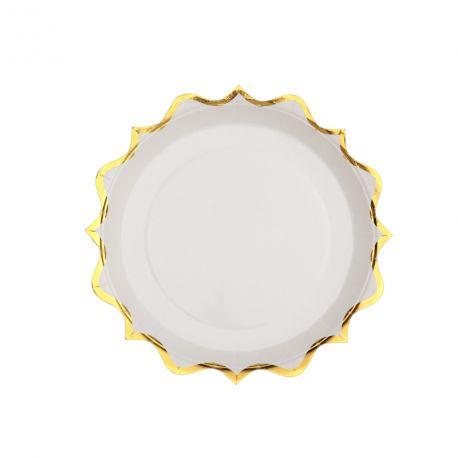 10 Petites assiettes en carton à la forme original festonnées or métallisés idéal pour pour une décoration de table...
