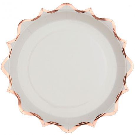 10 assiettes en carton à la forme original festonnées rose gold métallisés idéal pour pour une décoration de table...