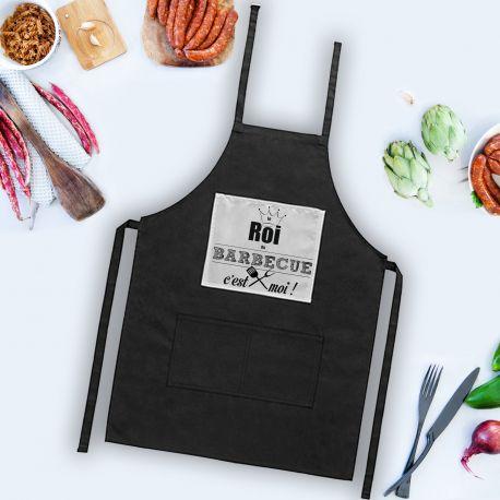 Ce tablier de cuisine en tissu toucher coton noir.Ce tablier est le cadeau idéal à tous ceux qui aiment cuisiner.Matière :...