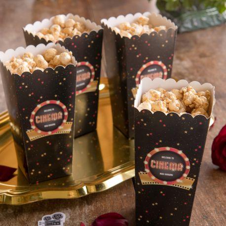 8 Boîtes pop corn en carton thème cinéma pour vos tables d'anniversaire ou candy bar.Dimensions : 6 x 6 x 17 cm