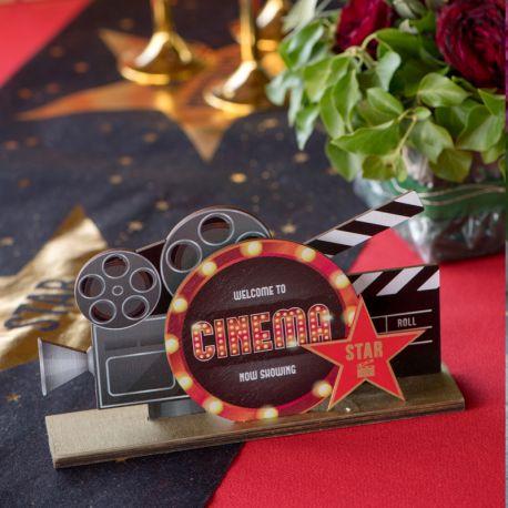 Décor centre de table Cinéma en bois pour votre decode table d'anniversaire.Dimensions : 20 x 4x 13 cm.