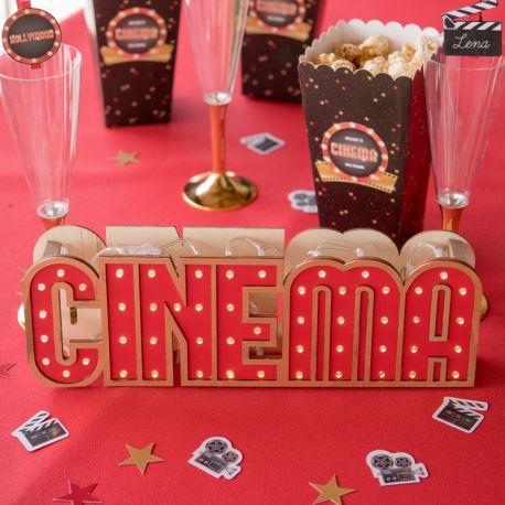 Décor centre de table lumineux Cinéma en bois pour votre decode table d'anniversaire.Fonctionne avec des piles.Dimensions...
