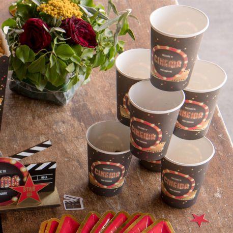 10 Gobelets thème cinéma pour la deco de votre fête d'anniversaire.Dimensions : Ø 7.8 x 9.7 cmMatière: Carton