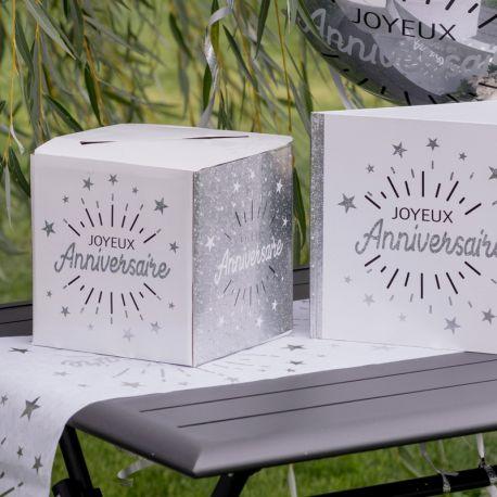Superbe tirelire argent et blanche en carton à monter pour récolter cadeaux, enveloppes, cartes d'anniversaires....lors de votre fête...