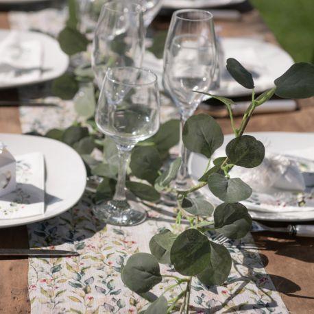 Guirlande Eucaliptus, idéal pour la décoration de votre table et salle de fête ou de mariage.Dimensions : 140 cm