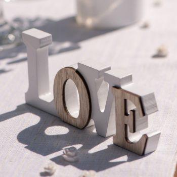 Décoration centre de table en bois Love