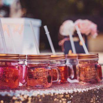 Mason jar gold rose avec paille