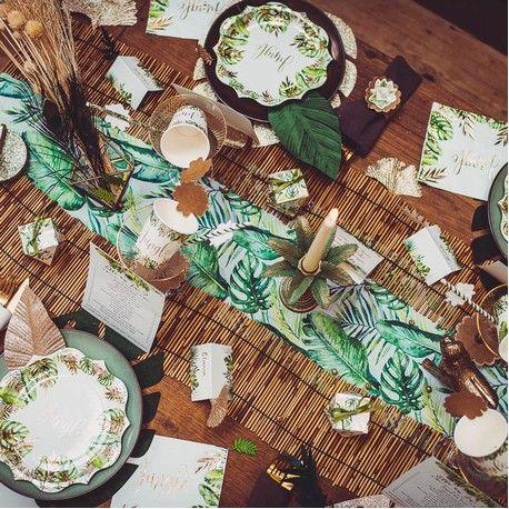 Chemin de table décor feuillage tropicale idéal pour une décoration de fête d'anniversaire sur le thème de la jungleLavable à...