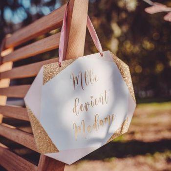 Pancarte Melle devient madame rose blanc or