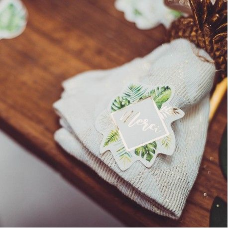 24 Sickers avec décors feuillage tropical avec dorure idéal pour une décoration de table tendance sur le thème de la...
