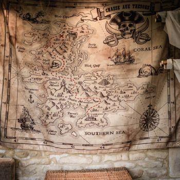 Tenture murale chasse aux trésors pirate en tissu
