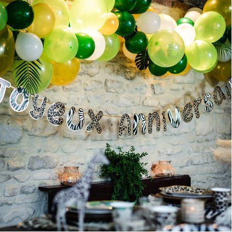 Guirlande Joyeux Anniversaire avec bordure or pour une belle décoration sur le thème de la jungleDimensions : 3 mètres