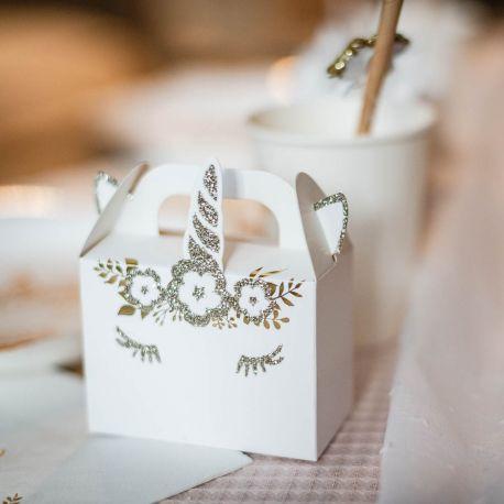 8 superbes mini contenants en carton avec dorure pailleté représentant une licorne pour une belle décoration de table douce, féérique et...