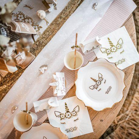 6 superbes Licornes en résine avec paillettes or adhésives représentant des licornes pour une belle décoration de fête féérique et...
