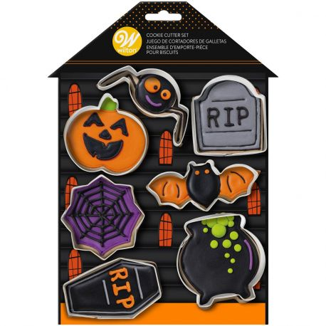 Faites cuire avec vos enfants des biscuits pour Halloween!Ce kit de 7 emporte-pièces de Wilton comprend les emporte-pièces pour...