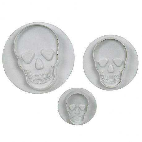 Ces emporte-pièces à piston en forme de crâne signés PME conviennent aussi bien pour des gâteaux terrifiants que pour vos douceurs sur...